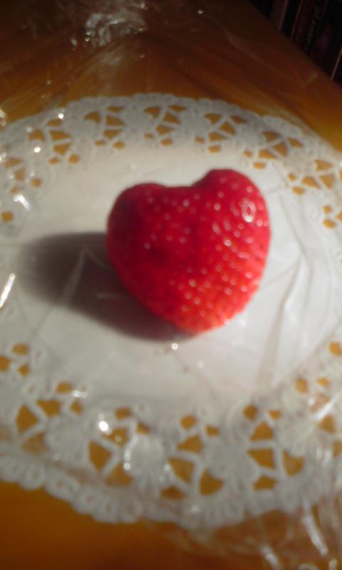 ハート型の苺見〜つけた♪